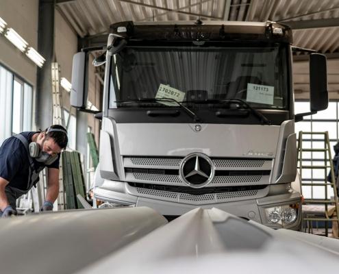 Lackierung von Lkw und Nutzfahrzeuge durch KLZ